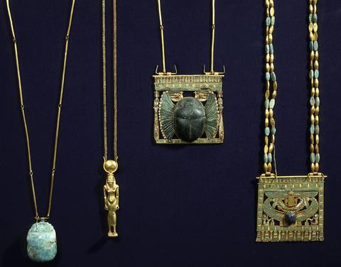 Egyptian jewellery artefacts
