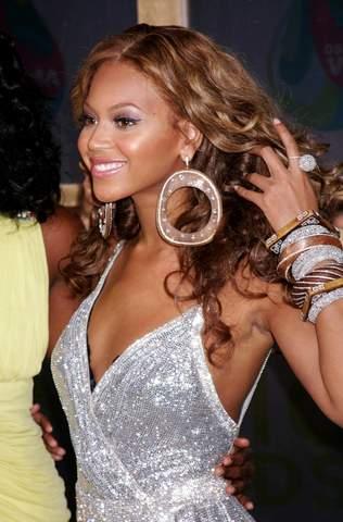 Beyonce at the 2005 MTV Music Awards