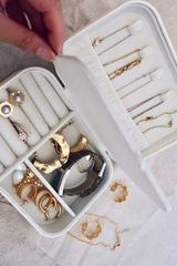 How to keep your jewellery untangled