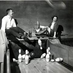 Bowling Date