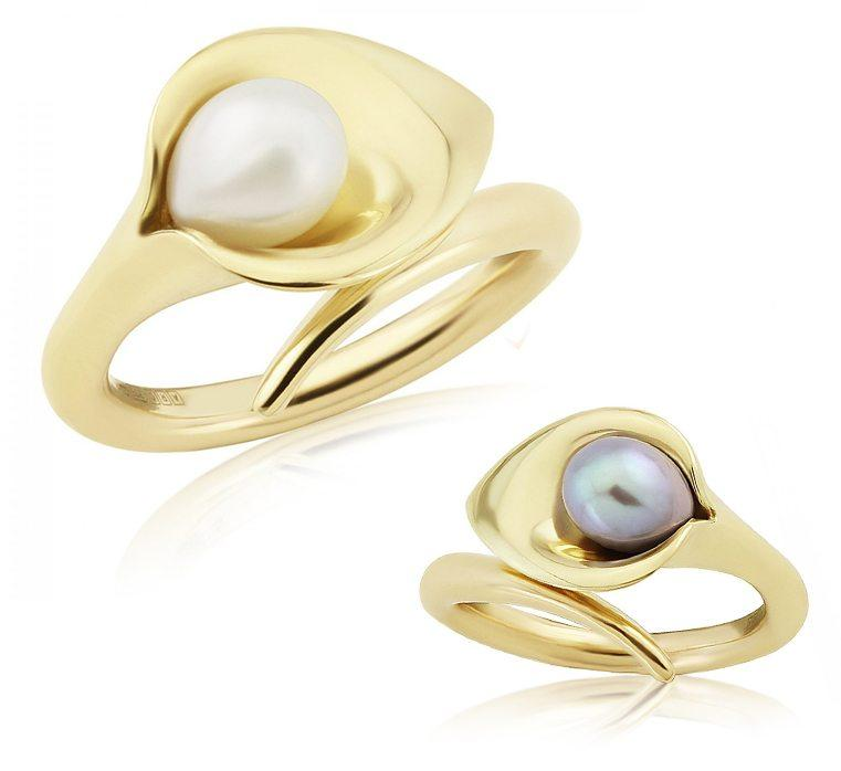 Gold Lily Pearl Ring - Medium