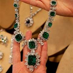 Elizabeth Taylor's Bulgari Necklace