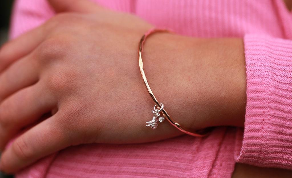 Bee Bangle Rose Gold