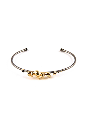 Gold Chattering Skull Bangle