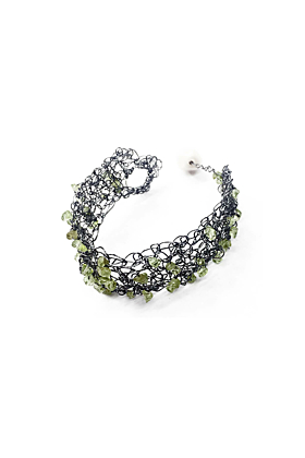 Wire & Natural Peridot Bracelet
