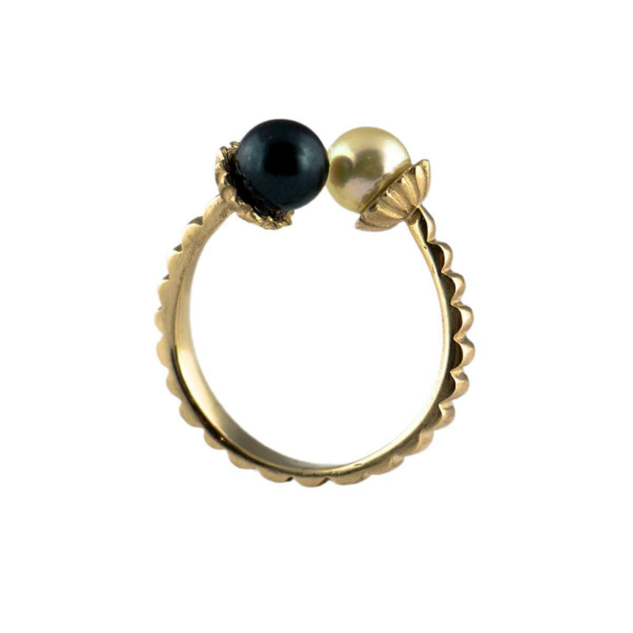 9kt Yellow Gold & Pearl Electric Flowers Ring
