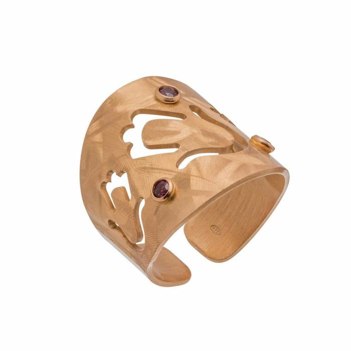 Garnet Veneto Hamsa Ring