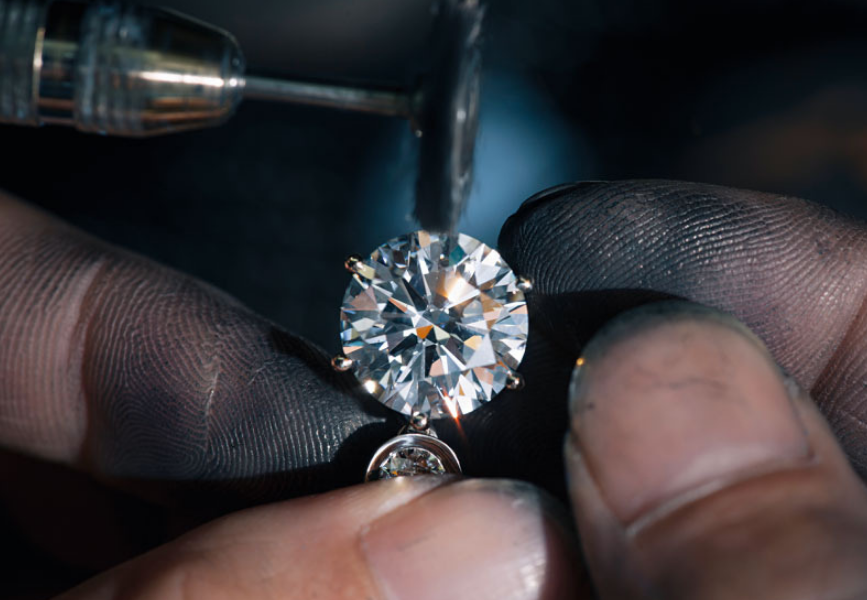 Natural vs Lab-Grown: The Rivalry In The Diamond Industry