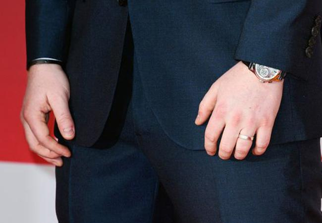 Should Men Wear Engagement Rings?