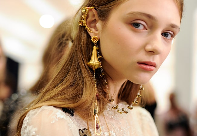 The chicest vintage-inspired gold jewellery picks