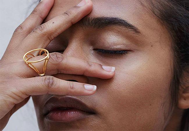 Minimalist Jewellery: This Season's Top Picks