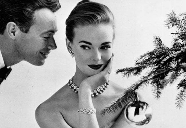 Create Magic Under The Mistletoe With Dazzling Jewellery