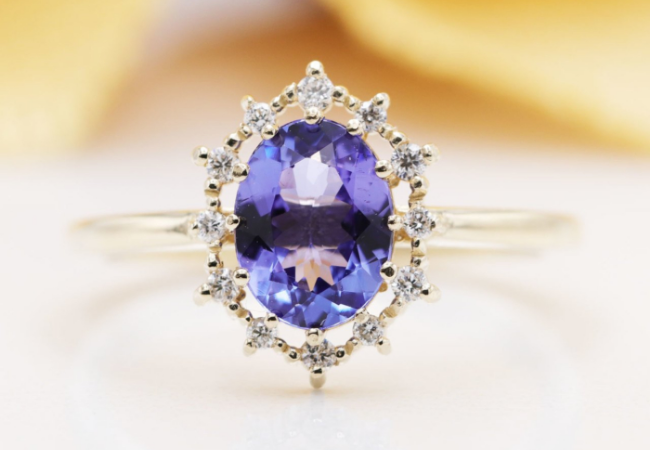 8 Great Oval Engagement Rings