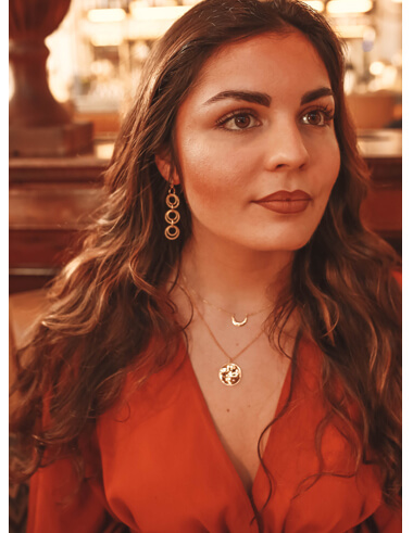 Simplicity & Ethics: Jewellery Styling With International Model Nadia Achha