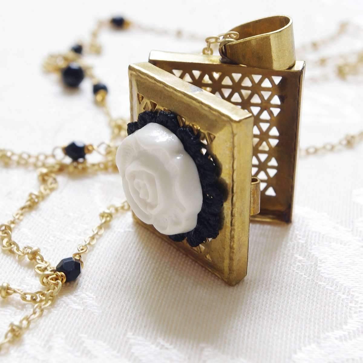 womens locket necklace